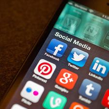 socialMediaPhone
